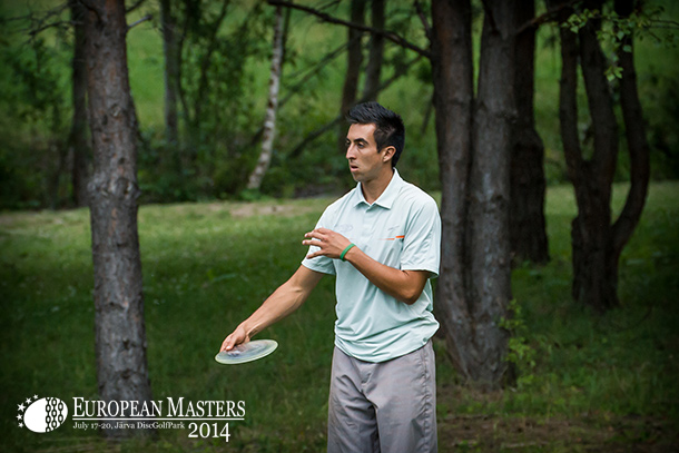 Paul McBeth shot another 55 (-9) today to share the peak position.