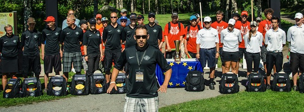 Professional Disc Golf promoter Jussi Meresmaa in front of the President´s Cup teams in 2011.